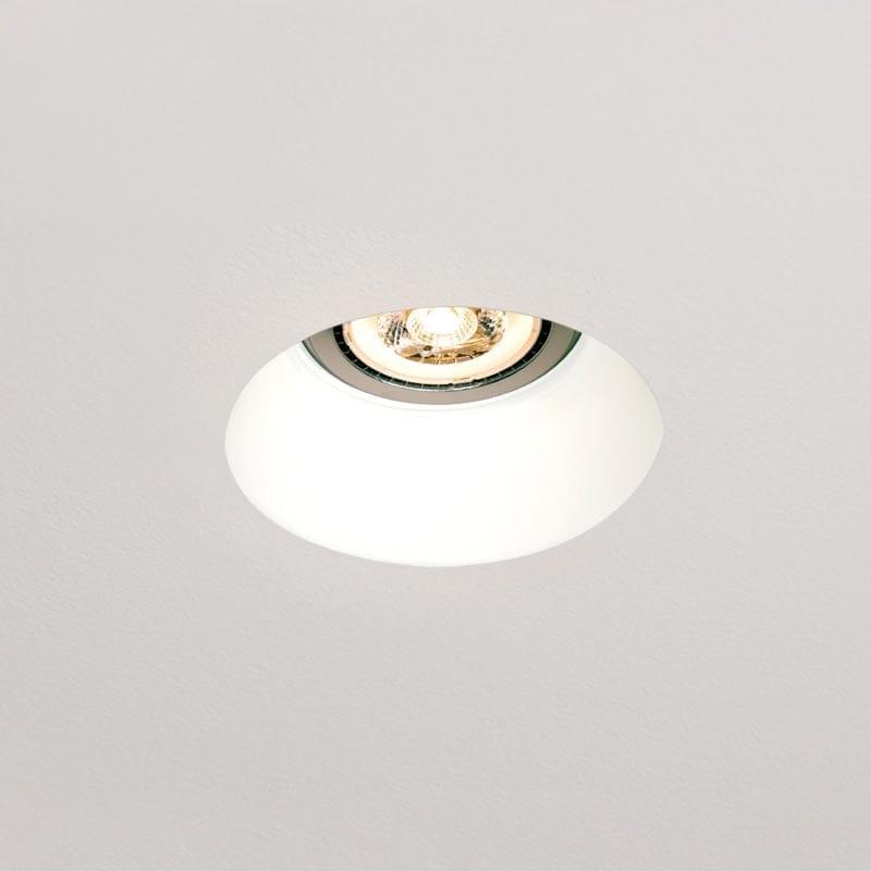 Užglaistomas šviestuvas Oblo