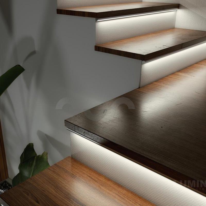 Kampinis LED profilis H