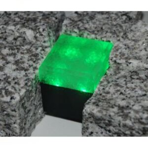 Šviečianti LED trinkelė GRANIT 5x5x5cm